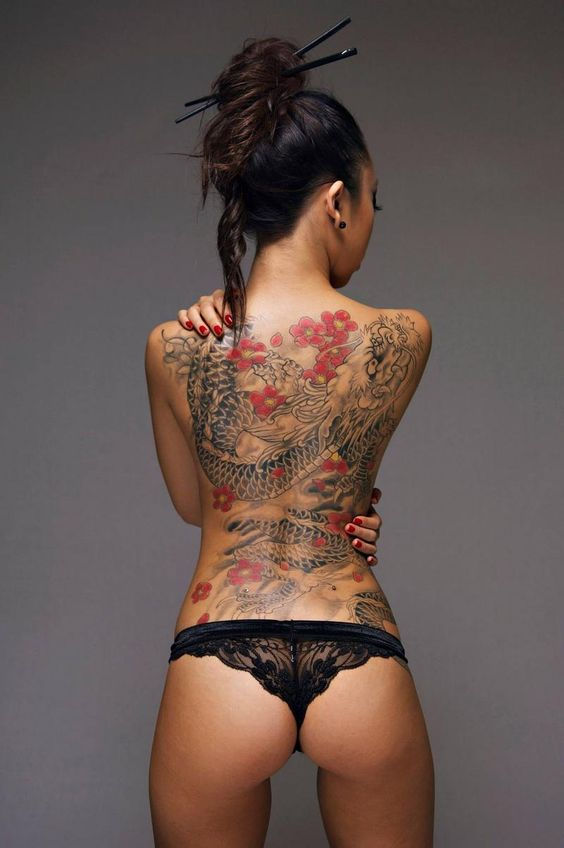 Good Mornink indeed. I love the contrast of the black and greys with the red flowers. Wish I could find info about this lovely lady and here incredible dragon tattoo. See More : http://luxurystyle.biz/tattoo/                                                                                                                                                     More