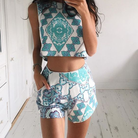 Tumblr fashion two piece set crop top and shorts pattern outfit pinterest blue Best fashion style tumblr