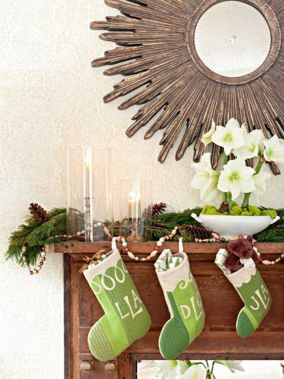 35 Gorgeous Holiday Mantel Decorating Ideas with Pine cones