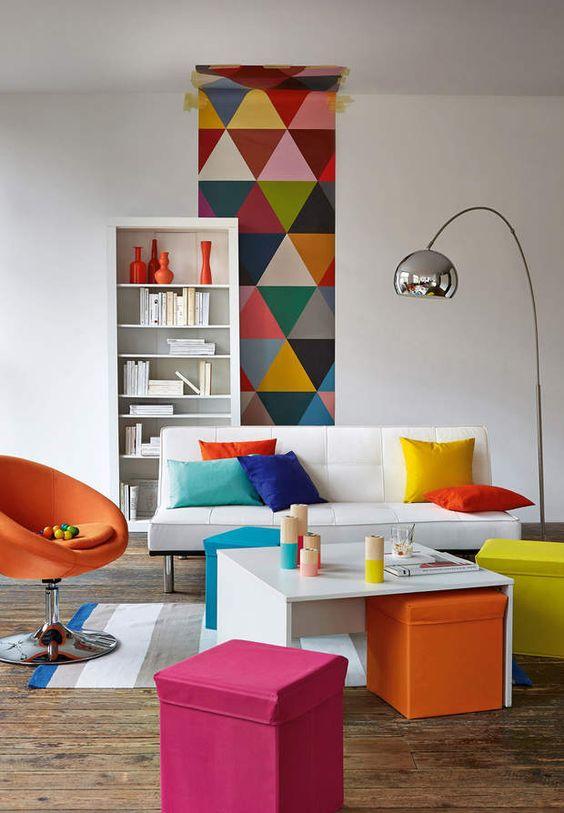 Le style popC'est la couleur qui fait la déco. Forte, intense, elle suffit à donner de la personnalité à des objets ou des meubles aux lignes très simples (ambiance La Redoute)