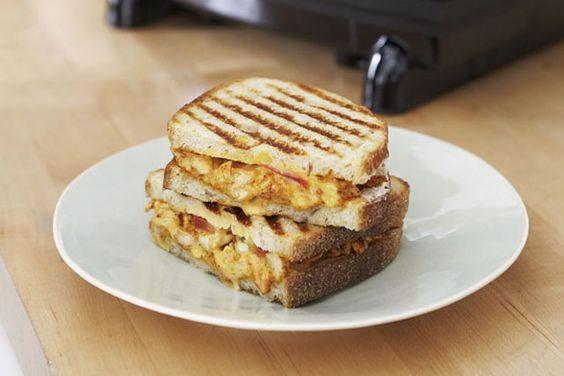 Un simple sandwich à la saveur renouvelée et grillé à la perfection.