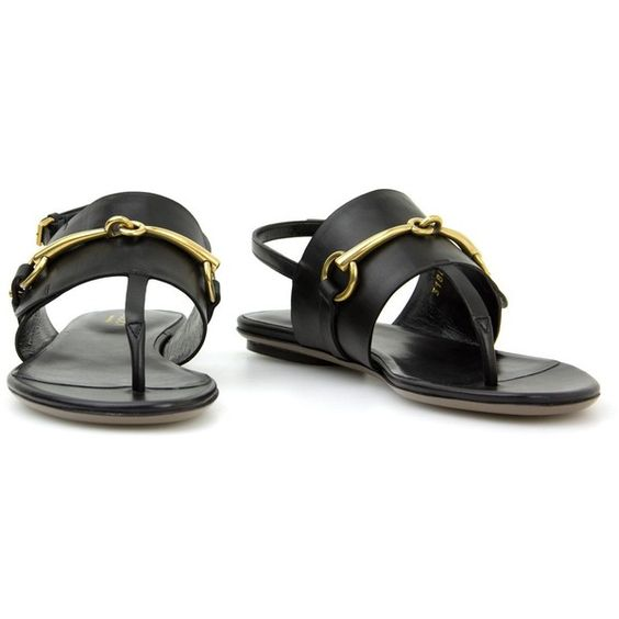 Gucci black leather flat sandal ($250) ❤ liked on Polyvore featuring shoes, sandals, sandales, black sandals, genuine leather shoes, black flat shoes, leather flat shoes and gucci footwear