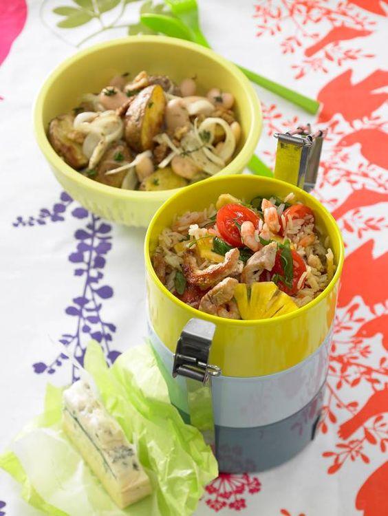 Wir machen Picknick! Rezepte für Salate, Sandwiches, Fingerfood, Desserts und schnelle Drinks, alles perfekt zum Mitnehmen. Plus: die besten Tipps fürs Picknick - so bleiben die Getränke kühl und der Salat knackig!