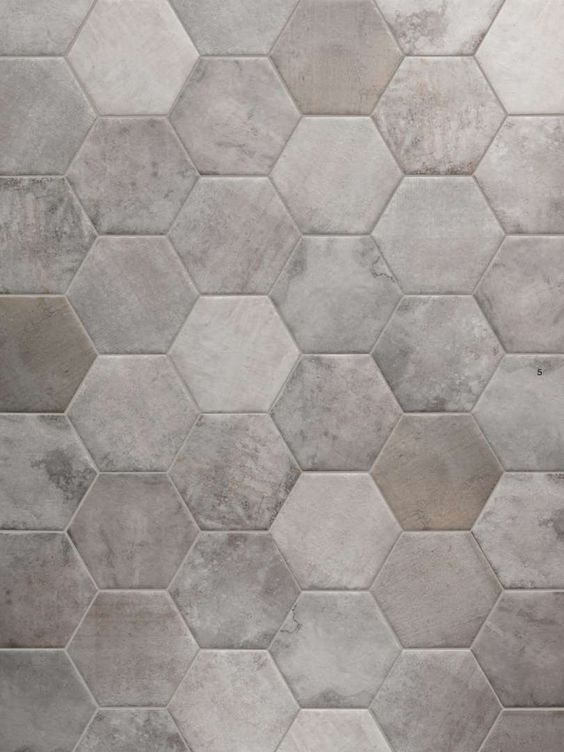 Queen Scene Silver 2 - BV Tile and Stone