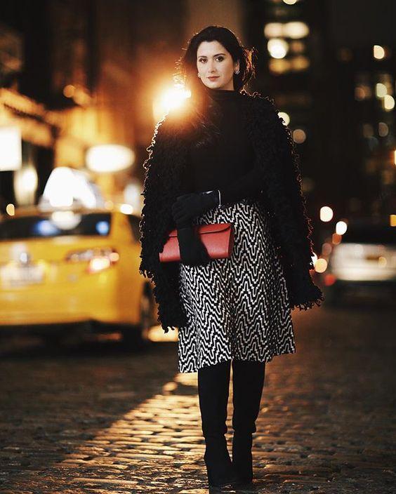 O último look completo da NYFW! Saia @ceciliaprado_oficial clucth Hermes para @Madrestore casaco Zara! #NYFW #fhitsny #fufunafashionweek PH @viegasjoao @fhits
