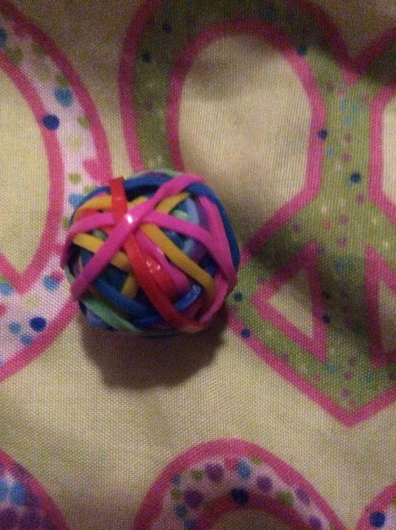 Rainbow loom ball