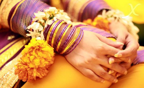 mehndi dulhan indian pakistani bollywood bride bangles desi wedding XYRA PHOTOGRAPHY http://www.facebook.com/Xyra.Photography