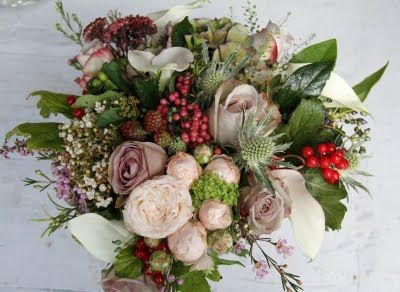Garden collection: Crystal Blush Calla Lilies, Roses; Amnesia, Metalina & Bombastic, Viburnum Tinnus & Opulus Berry, Rose Hips, Green Hypericum Berries, Pink Peppercorns, Wax Flower, Hydrangeas, Rosemary, Eryngium, Heather, Classic Hydrangeas and Sedum