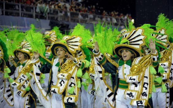 A Mancha Verde tem 3 mil integrantes em 30 alas e cinco alegorias