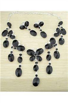 Hermoso Juego de Joyas color Negro con Piedras Preciosas-(Incluye Collar y Pendientes)