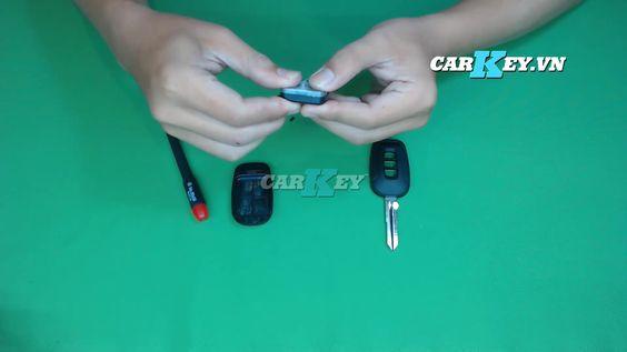 Tháo pin chìa khóa ô tô Captiva - carkey.vn