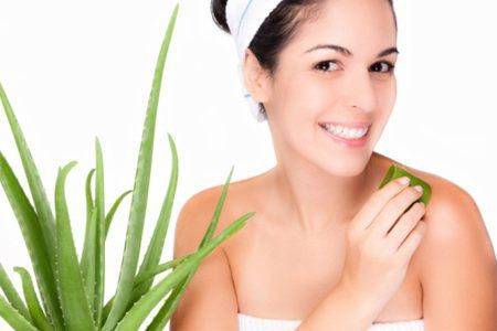Aloe Vera Can be Used As A Reducing Agent Wrinkles Aloe Vera has been touted as a miracle plant for years. You can heal burns! It can prevent sun damage! You can prevent dandruff and hair loss! You can also heal scrapes, burns and insect bites. But you can reduce or eliminate wrinkles? We'll, call it a miracle plant.