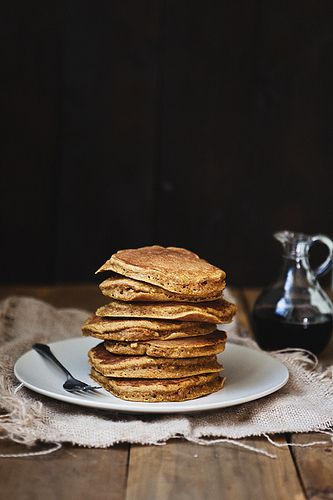 Pumpkin Pancakes- I like the white burlap material. Wonder where to find it...