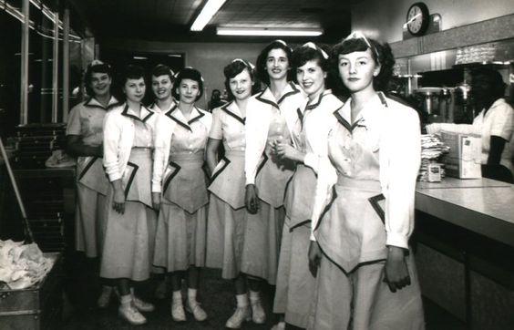 1951 Staff a Doumars