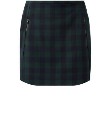 """Add this versatile check skirt to any work-wear wardrobe - try pairing with a grey high neck top and cross strap heels.- All over check print- Double zip front- Zip back fastening- Mini length- Casual fit- Breathable woven fabric- Model is 5'8""""/176cm and wears UK 10/EU 38/US 6"""