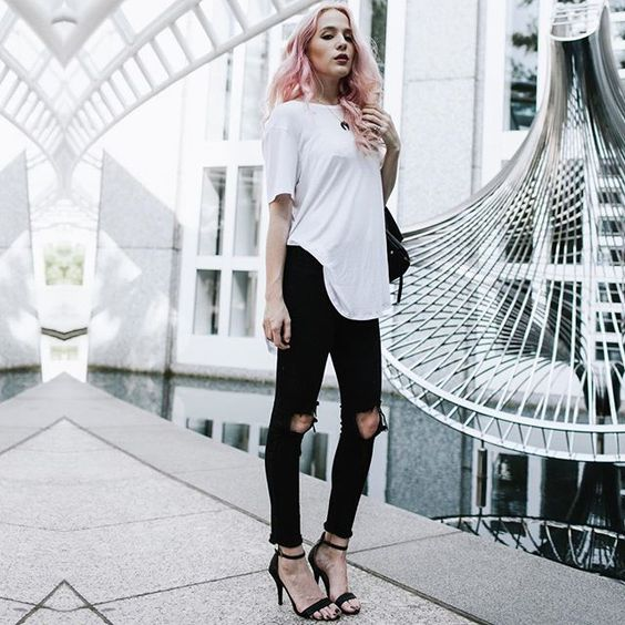 Ripped jeans yay or nay?  OOTD is @chessi! Submit your OOTD at ootdmagazine.com by ootdmagazine