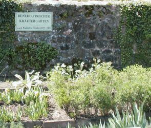 benediktinischer kraeutergarten - kloster lorsch - Informationen zu Kräutern, Lexikon, Anleitungen zur Anlage eines Kräutergartens, aber auch Bauerngarten, Obstgarten, Gemüsegarten etc.
