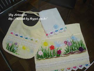 LOY HANDCRAFTS, TOWELS EMBROYDERED WITH SATIN RIBBON ROSES: Conjunto para Menina, pintura e aplicação de flore...