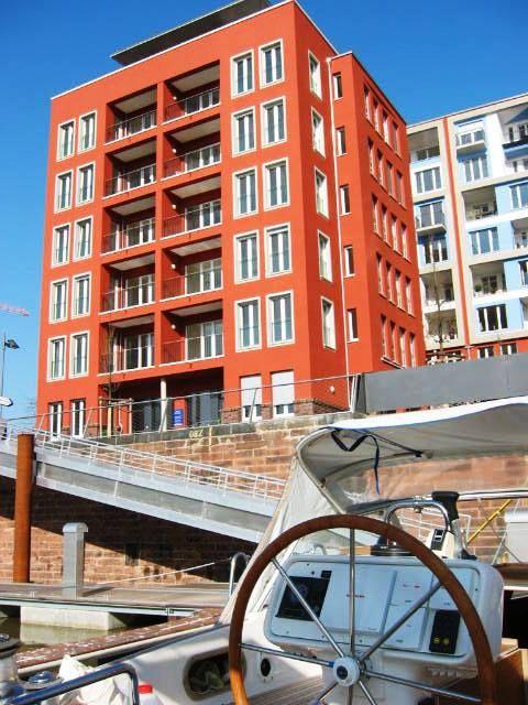 Exklusiv Wohnen Im Westhafen Frankfurt 3 Zimmer Ca 112 M Badezimmer Mit Wanne Dusche Gaste Wc Loggia Mit Blick Auf Immobilien Haus Verkaufen Und Immobilien Kaufen