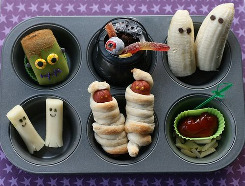 Great Halloween food ideas! Each one is described perfectly to make it fun & easy to complete! This is awesome!   =)