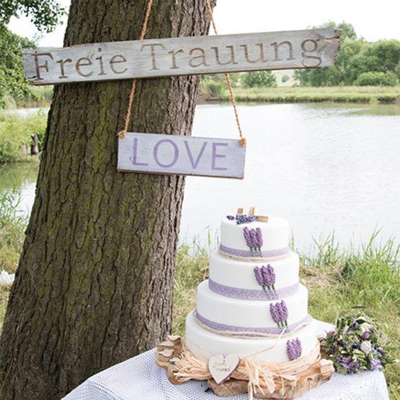 Diese leckere Hochzeitstorte durften wir auf einer freien Trauung kosten