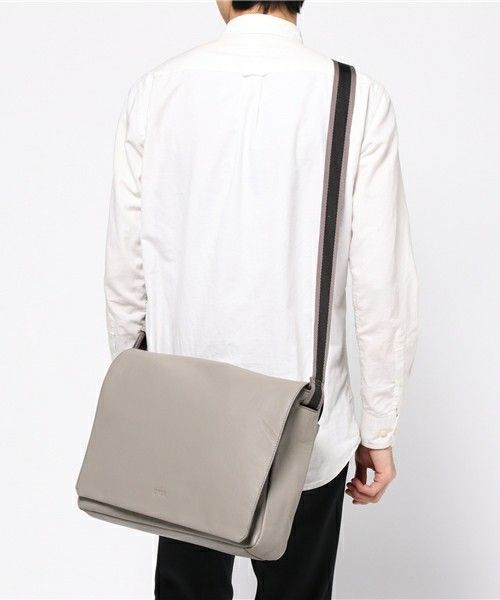 【決定版】おすすめメッセンジャーバッグを大調査|今買うべき20種をPick Up!