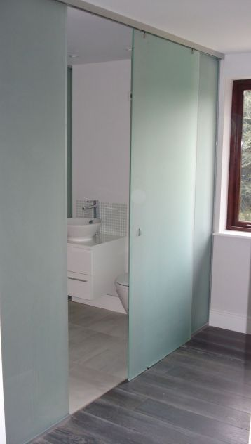 Modern Glass Sliding Door Designs Ideas For Yout Bathroom 20 Bathroomdesigndoor Glass Bathroom Door Sliding Door Design Sliding Glass Door