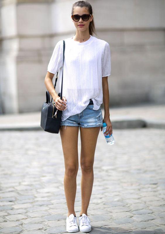 tendencia-verao-short-jeans-blusa-branca: