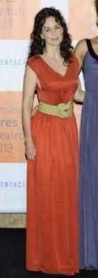 Silvia Marso en los premios Ceres con cinturón nudo oro de DC