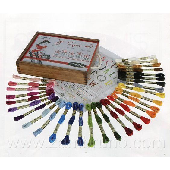 Aqui os dejo un Kit de Punto de Cruz Compuesto por 30 madejas Mouline + 1 Gráfico