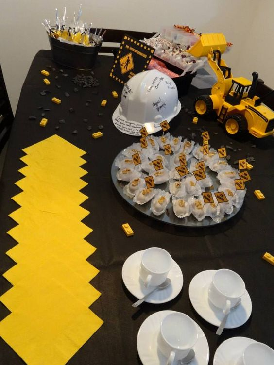 Engineering Party Ideas : Civil engineering graduation party mesa doces