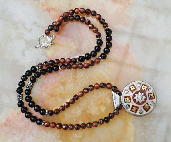 Mira este artículo en mi tienda de Etsy: https://www.etsy.com/listing/289673319/mens-necklace-black-onyx-mens