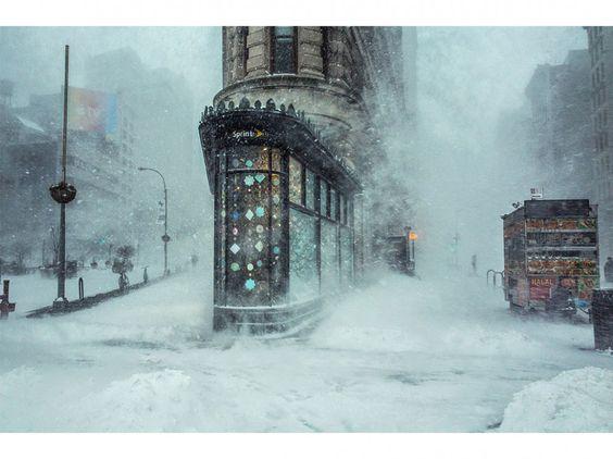 Au pied du Flatiron Building, à New York, au matin du 23 janvier.