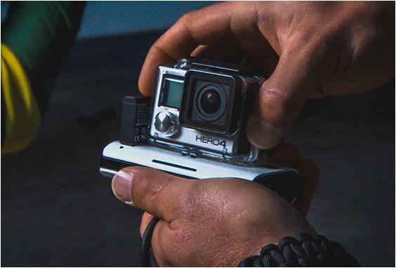 Mota é um carregador sem fio para a sua GoPro! Pequeno o suficiente para caber no seu bolso, o Carregador de GoPro Sem Fio, Mota é o melhor acessório para qualquer usuário GoPro, permitindo que você possa carregar facilmente su