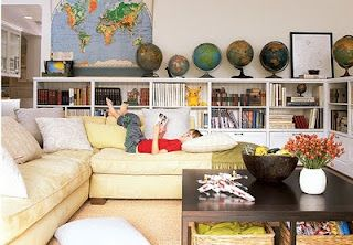 love the lined up globes.
