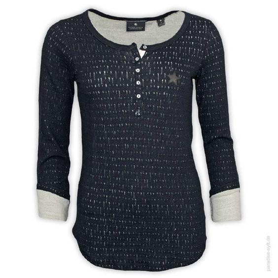 Scotch Maison Longsleeve Placeholder Bequemes Longsleeve-Shirt für Damen mit Perforationen.      Knopfleiste     weicher Griff     weiter Rundhals-Ausschnitt     Stern-Aufnäher auf der Brust     tailliert     verlängerter Rücken     Innenfutter: creme     Farbe: schwarz
