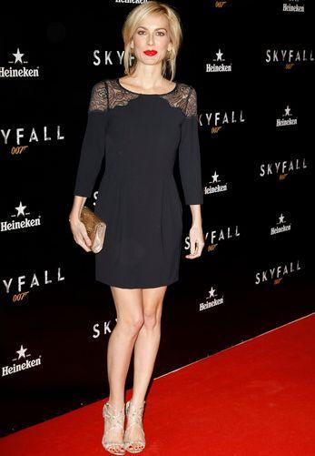 Kira miró en el estreno de Skyfall. Puedes ver toda la galería de las mejor vestidas del evento aquí http://modadiccion.wordpress.com/2012/10/31/galeria-las-mejor-vestidas-del-estreno-de-skyfall/