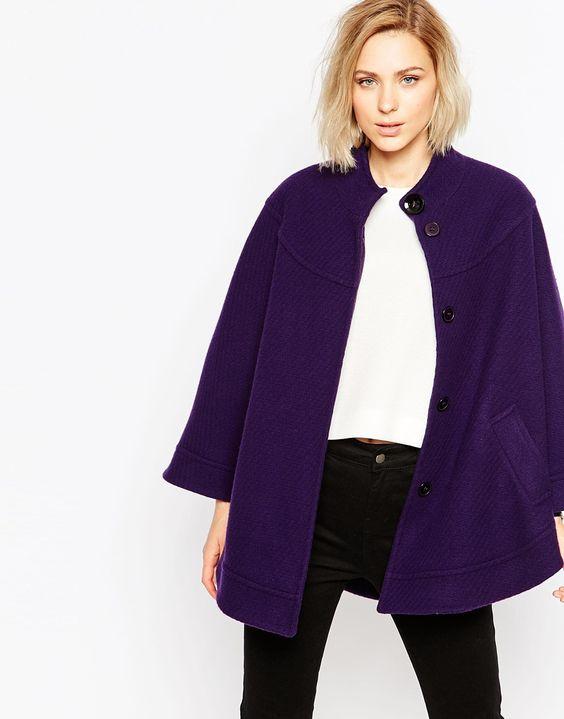 Mantel von Helene Berman texturierter Stoff mit hohem Wollanteil hoher Kragen Passe vorne und hinten verdeckte Knopfleiste Chemisch reinigen 80% Wolle, 20% Nylon Model trägt UK-Größe S/EU-Größe S/US-Größe XS