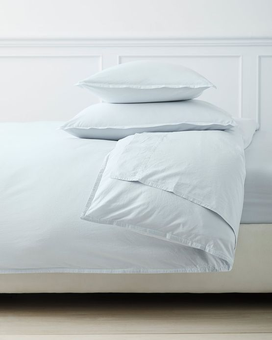 House Tour The Perfect Blend Of Old And New Design Chic Duvet Covers Luxury Bedding Modern Bed