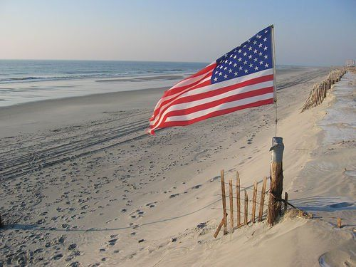 American FLAG @ the Beach  _____________________________ Reposted by Dr. Veronica Lee, DNP (Depew/Buffalo, NY, US):