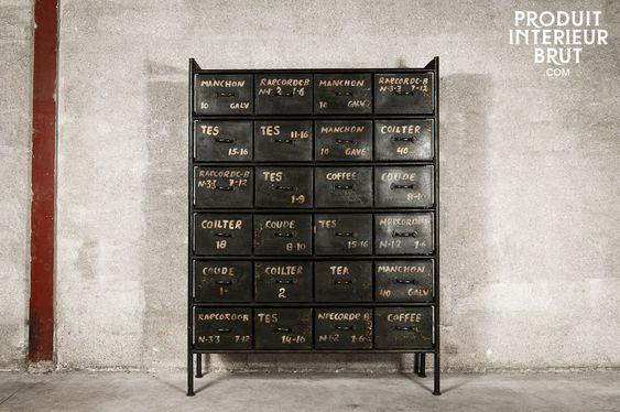 Werkstattmöbel mit 24 Schubladen in schwarzem Metall
