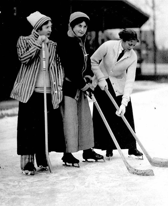 ∴ Trios ∴ the three graces, sisters, & groups of 3 in art and vintage photos - Women playing hockey - Toronto, 1910: