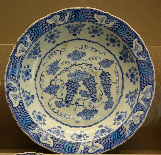 Iznik Plate – Grapes Motif  Iznik 16th – Benaki Islamic Museum Athens Greece