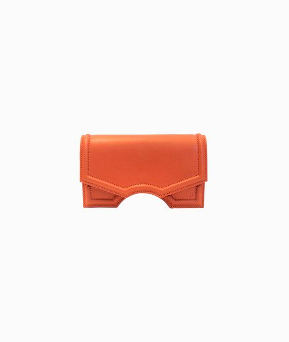 Reliquiae - tradición, diseño y color, el bolso que yo quiero en mi armario... Bolso Micro Archy naranja de Reliquiae http://arropame.com/reliquiae-tradicion-diseno-y-color-el-bolso-que-yo-quiero-en-mi-armario/ #arropame #conceptstore #bilbao #shopping #shoponline #reliquiaespain #ss16 #madeinspain #fashion #summer #bags #bolsos #design