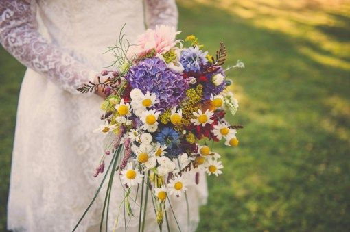 eco friendly wedding bouquet natural daisies http://helinebekker.co.uk/