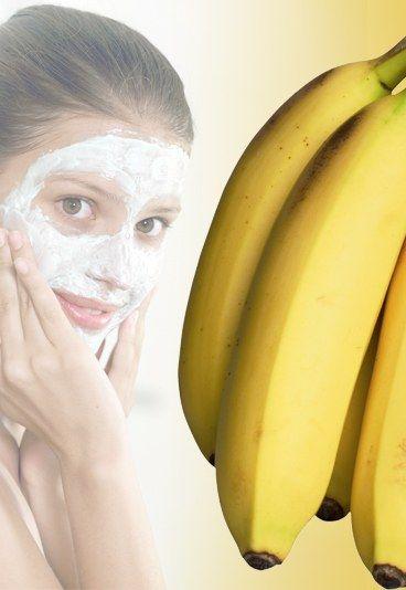 Gesichtsmaske mit Banane - Gesichtsmasken selbermachen: 10 Rezepte für tolle Haut - Bananen sind nicht nur lecker, sondern gut für die Haut - denn darin stecken zum Beispiel Zink und die Vitamine A, B und E. Diese Maske kombiniert die gelben Früchte mit...