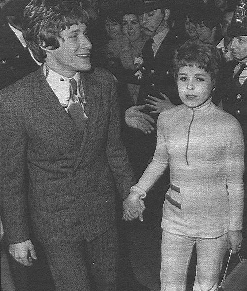 Manfred Mann Lead Singer Paul Jones Marries Sheila MacLeod Bohemiana Pinterest Search And
