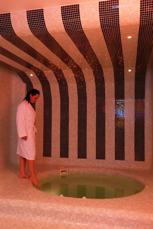 @Aressana Spa Hotel drawing on the elements of the Sun, the Moon and the Earth, couples spa packages feature these three elements in holistic treatments are aimed at rebalancing and soothing the mind, body and soul.
