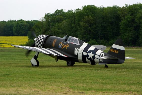 P-47 JUG WITH D-DAY MARKINGS