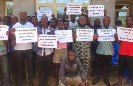 Übersetzung des von Nana Kwame veröffentlichten Artikels auf facebook am 8. Oktober gefunden auf: Übersetzung: claudine Aus Ghana: Ebola ist nicht real, und die einzigen Menschen, die krank wurden...
